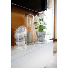 Kolekcja kloszy szklanych z podstawą betonową ROUND BOTTOM