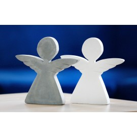 białe aniołki z betonudekoracyjnego