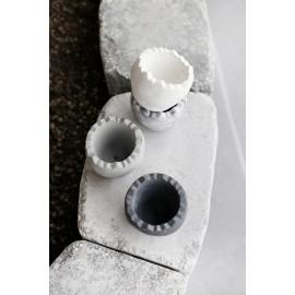 Figurka betonowa Jajko Łupinka